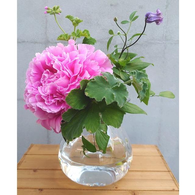 ★2Lミニブーケや大型の花一輪飾りにぴったり! グラスフラワーベースのご紹介。