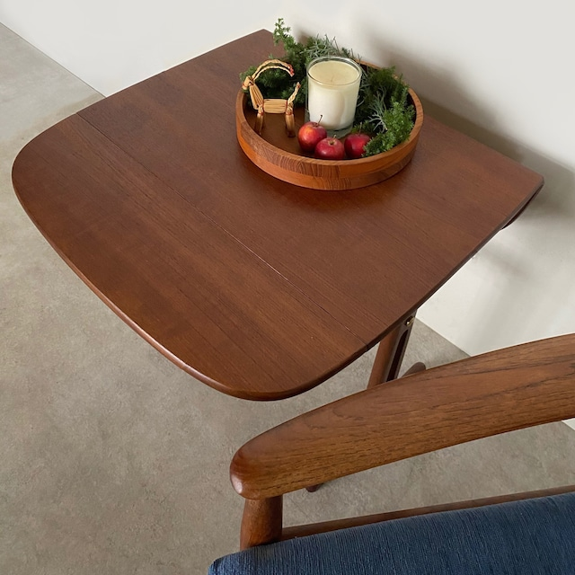 Butterfly side table / TB020