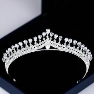 5530髪飾り ティアラ カチューシャ  ヘアアクセサリー ヘアバンド 結婚式ブライダルクラウ