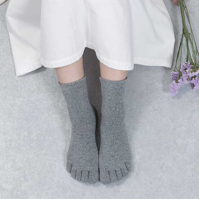 絹の靴下 5本指ソックス〈22〜26cm〉【絹の配合量アップ】