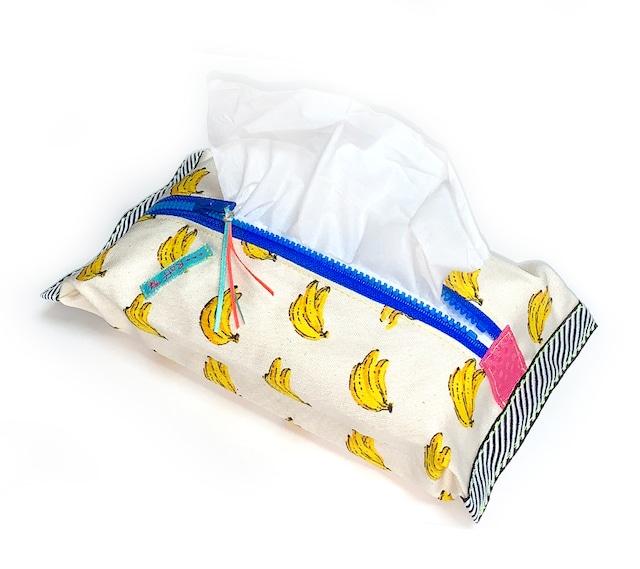 ティッシュケース-ソフトパック用 バナナ柄×ネオンブルー