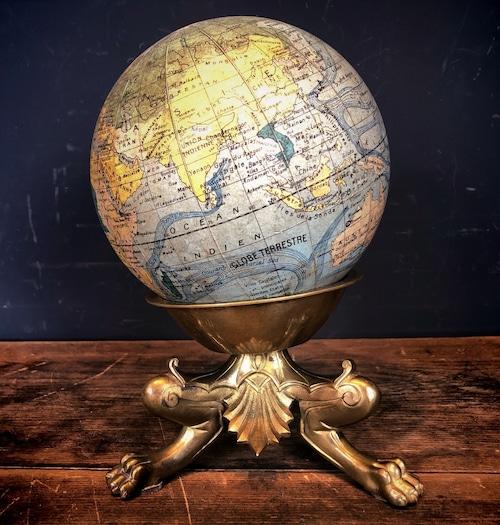 猫足の地球儀