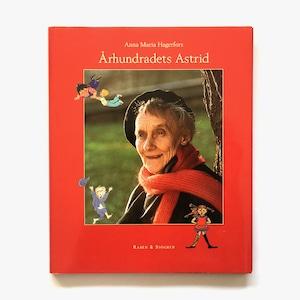専門書「Århundradets Astrid(世紀のアストリッド)」《2002-01》