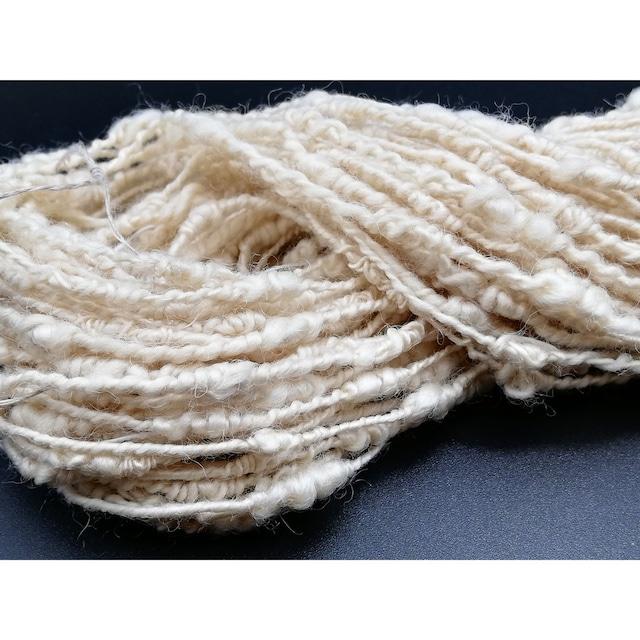 Rueca 紡ぎ糸 ブルーフェイスレスター羊100% の紡ぎ糸 ナチュラルカラー/アイボリー 双糸/変わり糸/S撚り No.9 重さ:43g 長さ:31.5m