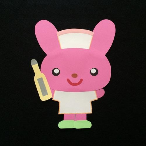 体温計を持った看護師さんの壁面装飾※小児科のお医者さんで使えます!