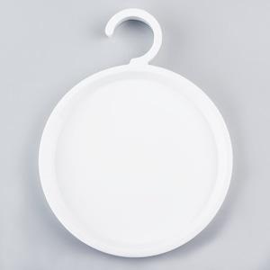ハンガーのお皿 / Dish Hanger