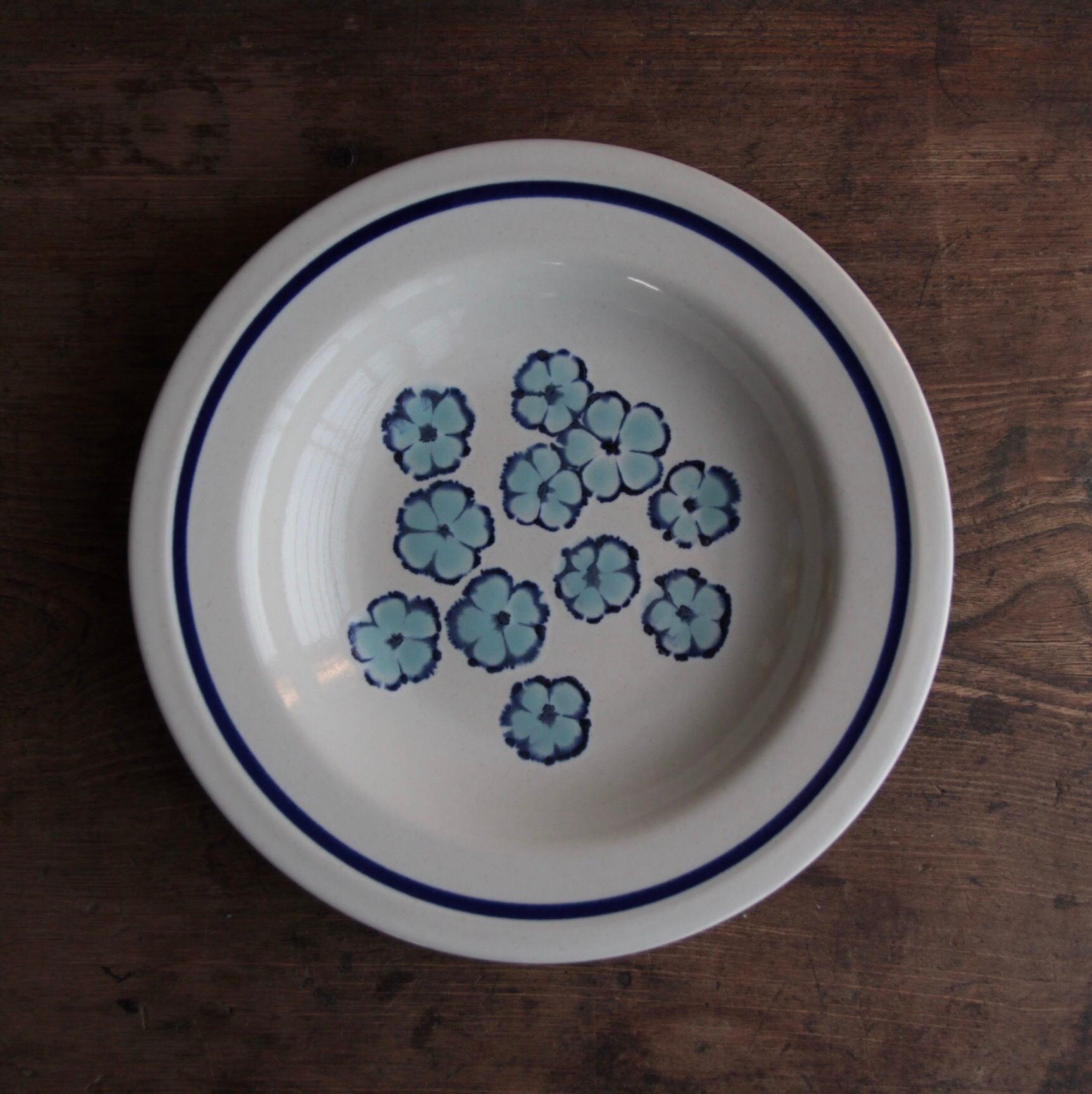 桃山陶器 青の花柄 ストーンウェア 在庫1枚