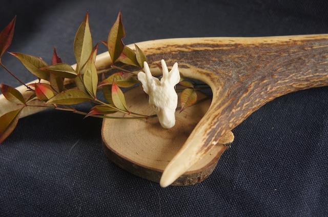 鹿角製鹿の顔「拝」タックピン