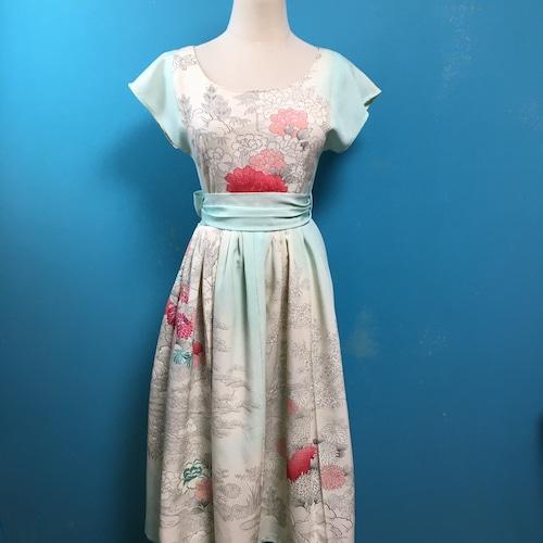Vintage kimono dress/ US 6, french sleeve