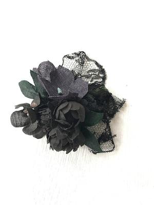 黒レースと花束