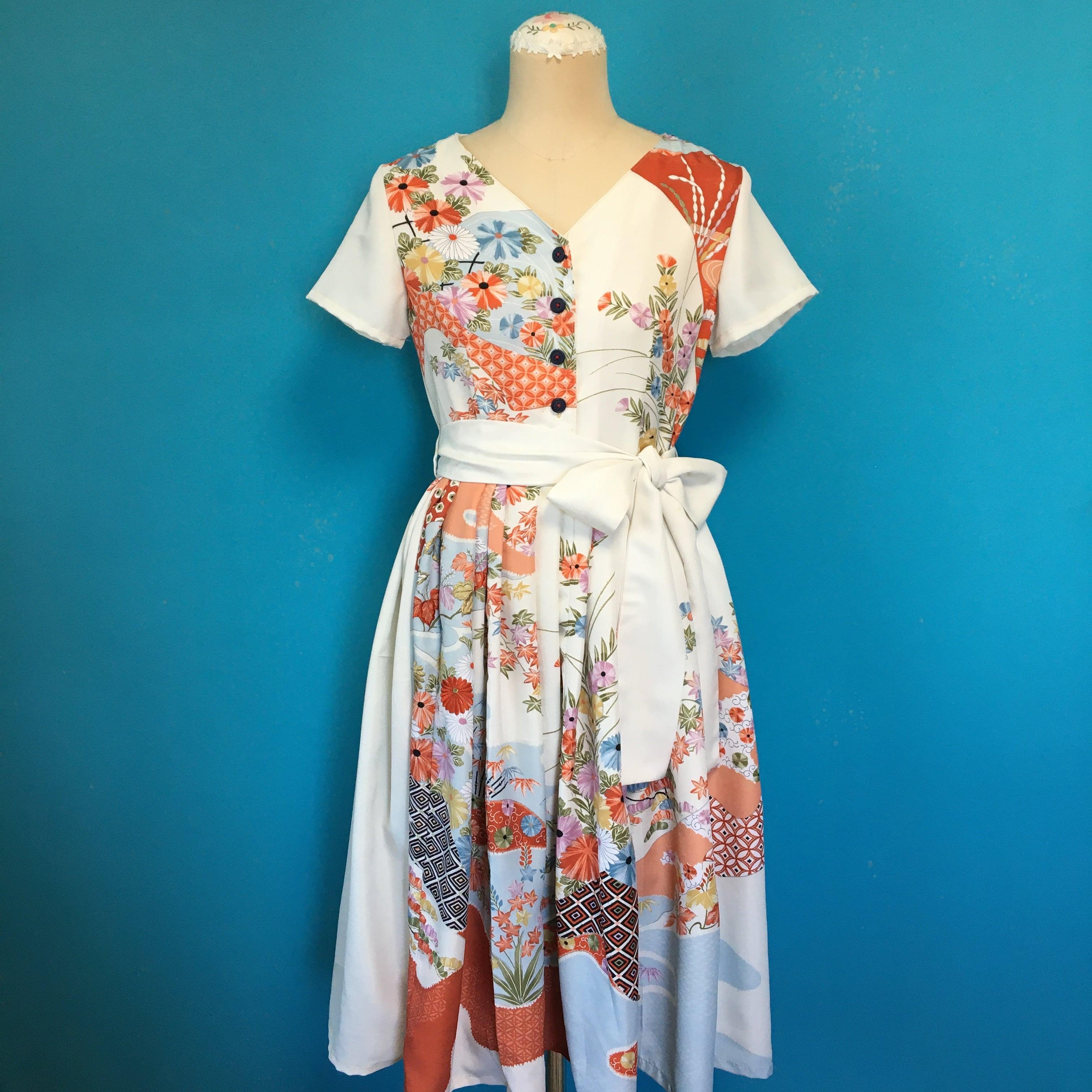 Vintage 化繊訪問着の刺繍ワンピース