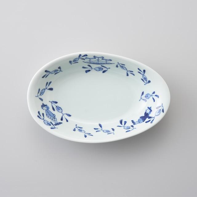 """【青花】""""草花異人"""" 卵型カレー皿"""