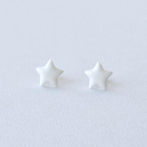 HatoKumo / 白磁の星ピアス