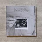 Monochrome-MATERNITY_A4スクエア_6ページ/6カット_クラシックアルバム