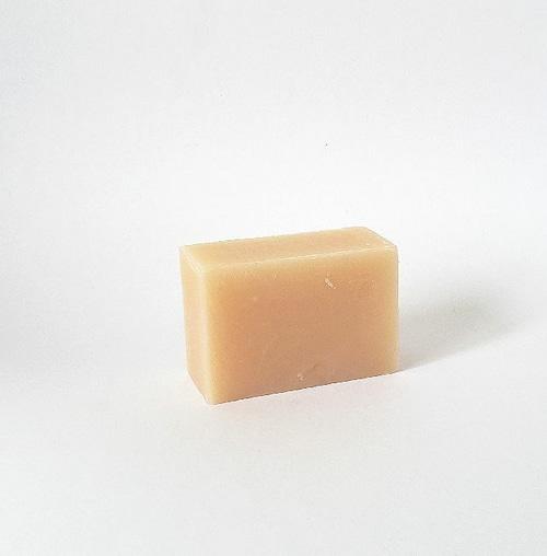 アロエ石鹸 民間の万能薬のアロエエキス配合 季節の変わり目にオススメ美肌に導きます。
