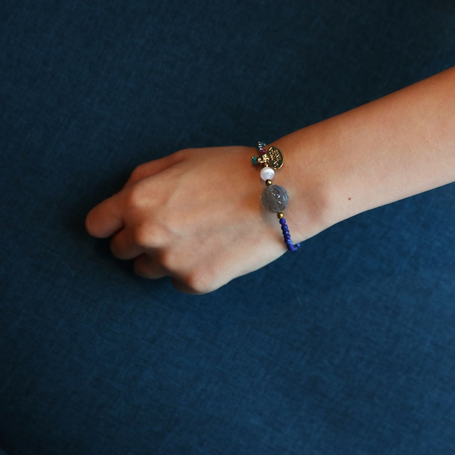 【COSMIC BLUE】薬師天珠×ラピスラズリ×ラブラドライト×シルバーヘマタイト  〈ハーフ〉ブレスレット【ゴールド】