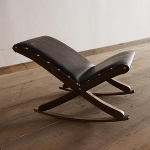 #11-04 Interior rocking chair