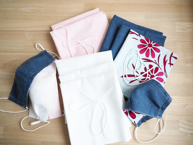 立体型布マスク 手作りキットレディース2枚分型紙とレシピ付 選べるピンク/デニム調(肌触りの良い綿・浴衣地利用)