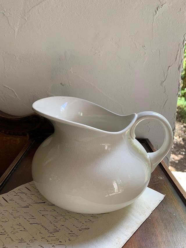 陶器のピッチャー ジャグ 白 DIGOIN