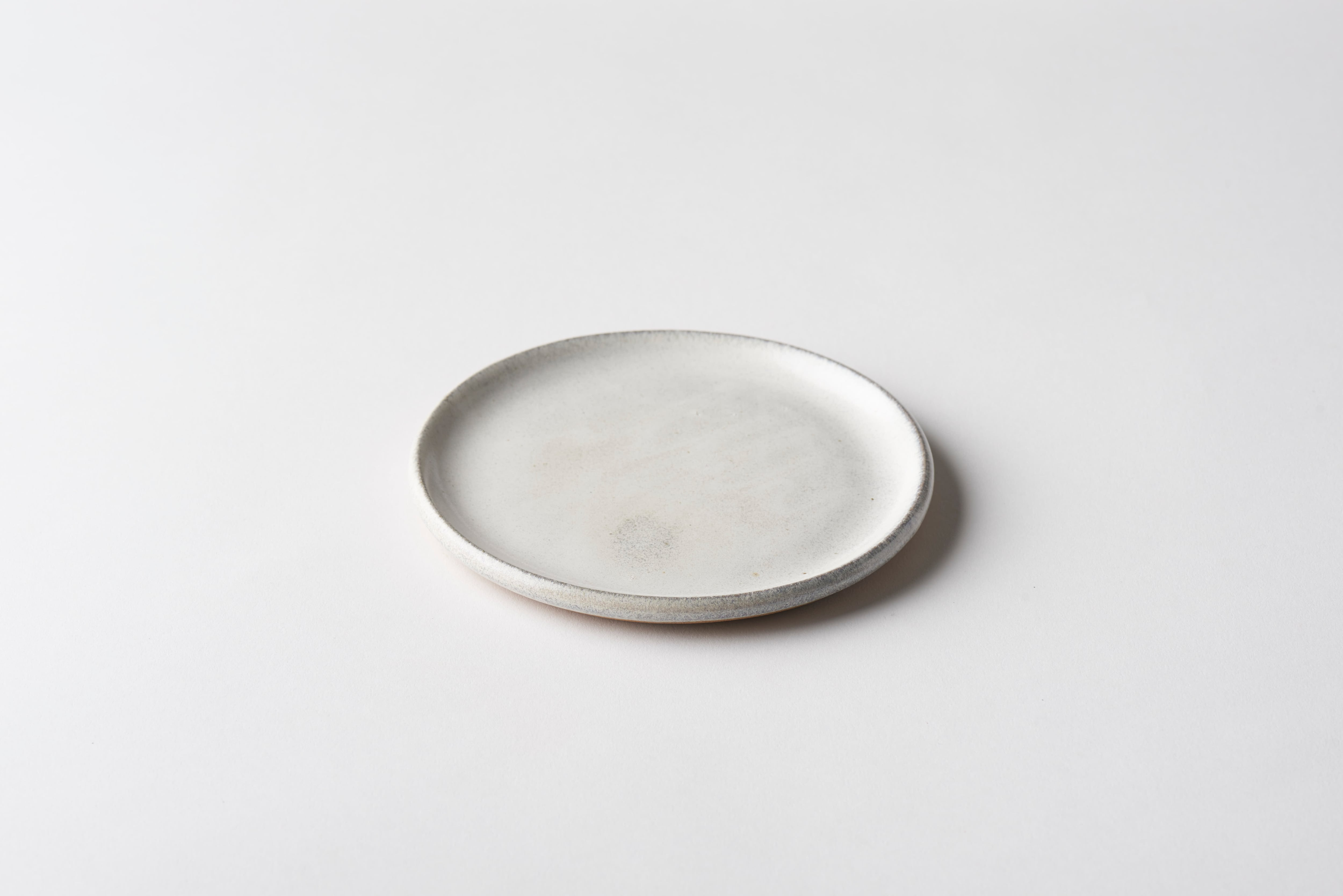 プレート 小(白釉)