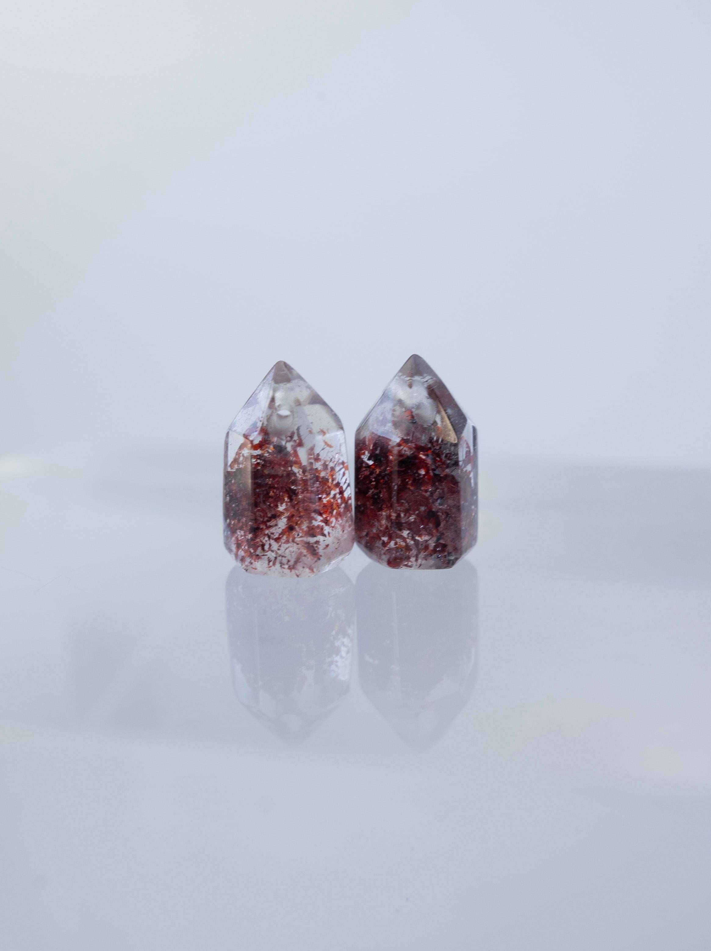 Lepidocrocite in Quartz / Pair  - 002