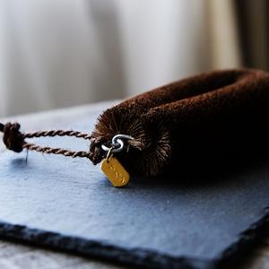 ねこのこたわし(スリム)/特製真鍮タグと棕櫚の紐付き
