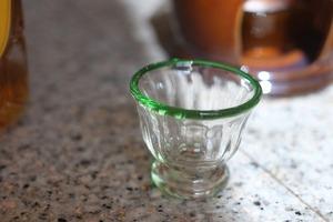 【カンナカガラス工房◆村松学】◆◆◆酒器(台付)ぐい呑み<口巻緑>◆◆