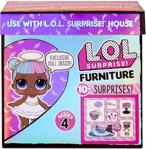 LOL Surprise Furniture Sweet Boardwalk with Sugar Doll and 10+ Surprises
