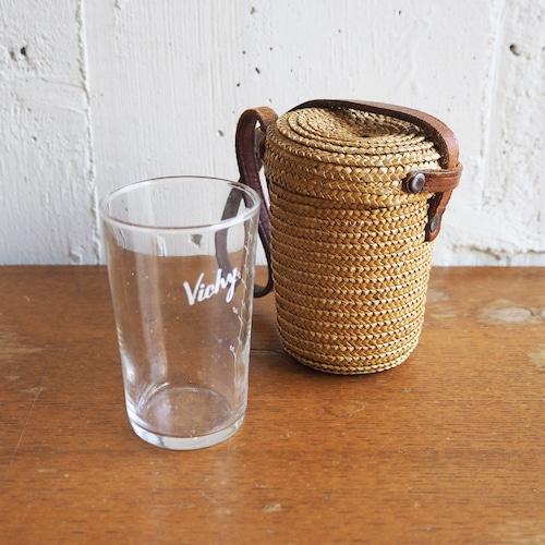 Vichyの水汲みコップ 専用ケース付き