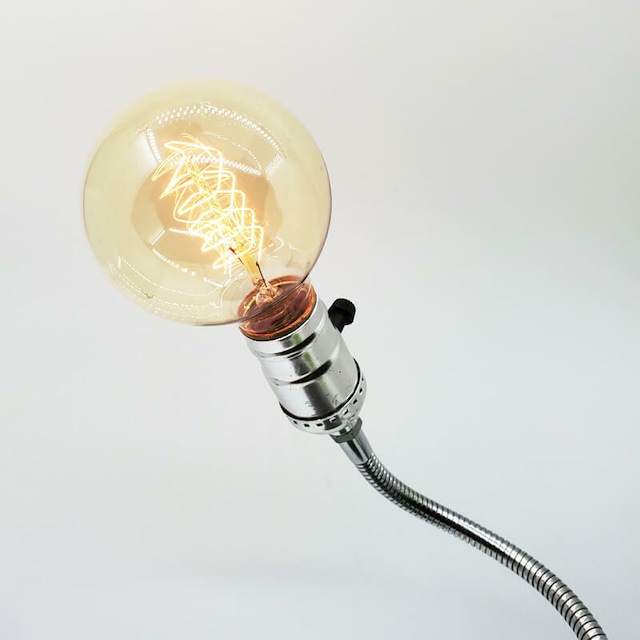 インダストリアルなテーブルランプ(電球付き)