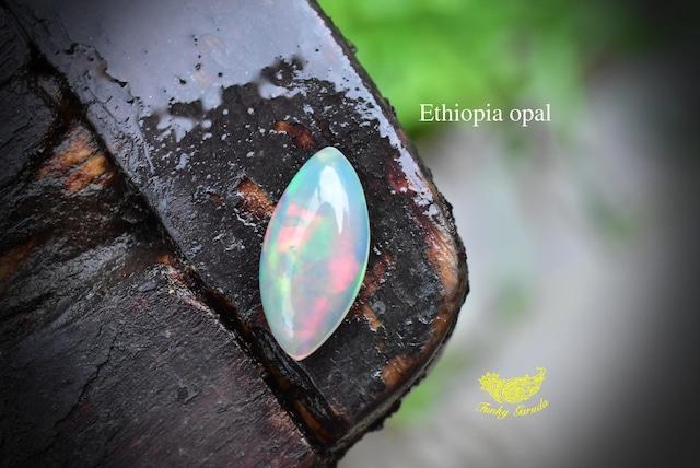 夢の世界★虹プリズム強★エチオピアオパール ルース opal015