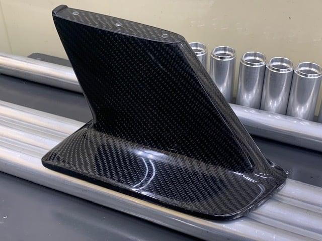 JURATECH R34 OEM style Wing Bracket ver.2 Carbon model / ジュラテック R34 純正タイプウイングステー ver2 カーボンモデル