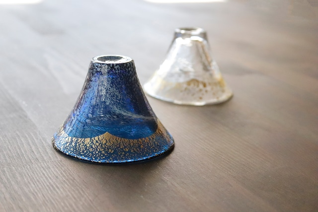 【SP3S33-04】『富士山金紺(白まぶし)』 *富士山の形をした盃 縁起物の盃 お祝い ギフト プレゼント かわいい きれい