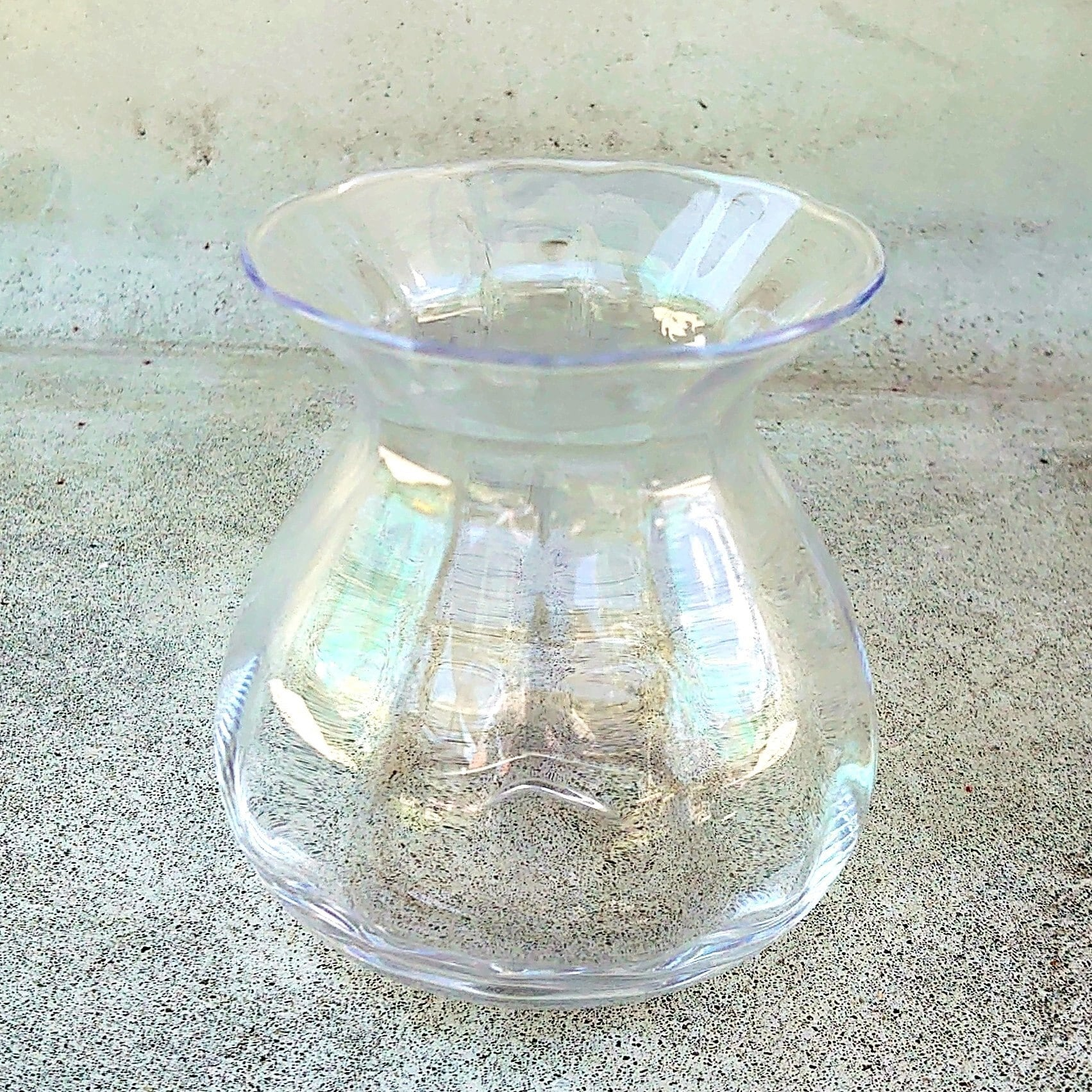 ★Sミニブーケや大型の花一輪飾りにぴったり! グラスフラワーベースのご紹介。