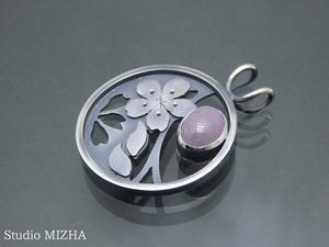 透かし模様の桜のペンダントトップ(p-20319)