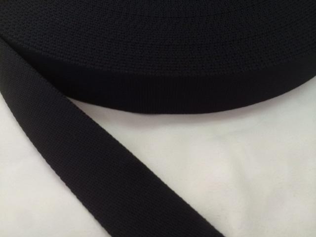 柔らかい感触のポリエステルテープ 厚手 30㎜幅 50m 黒