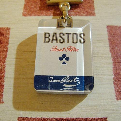 フランス BASTOS[バストス] タバコパッケージ広告ノベルティ ブルボンキーホルダー