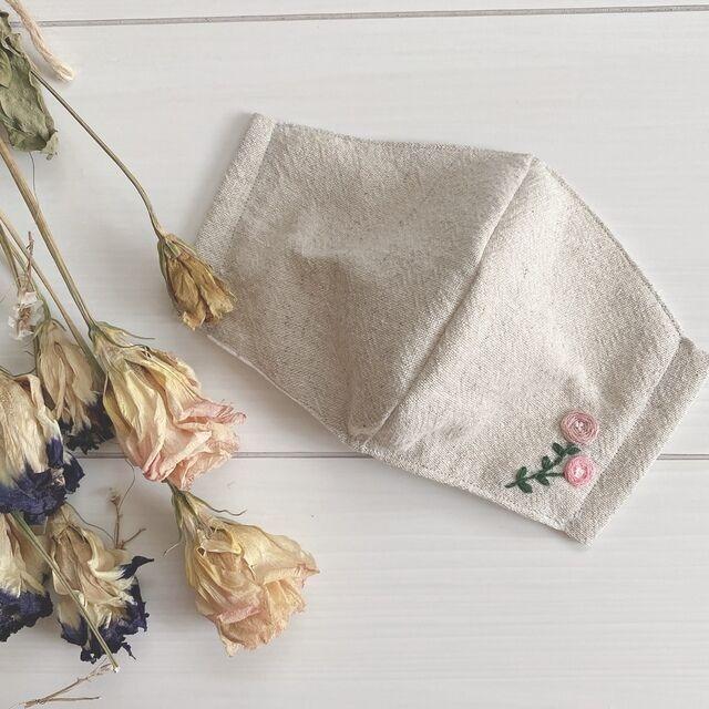 バラのワンポイント刺繍マスク