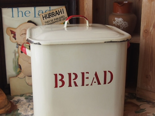 イギリスアンティーク ブレッド缶