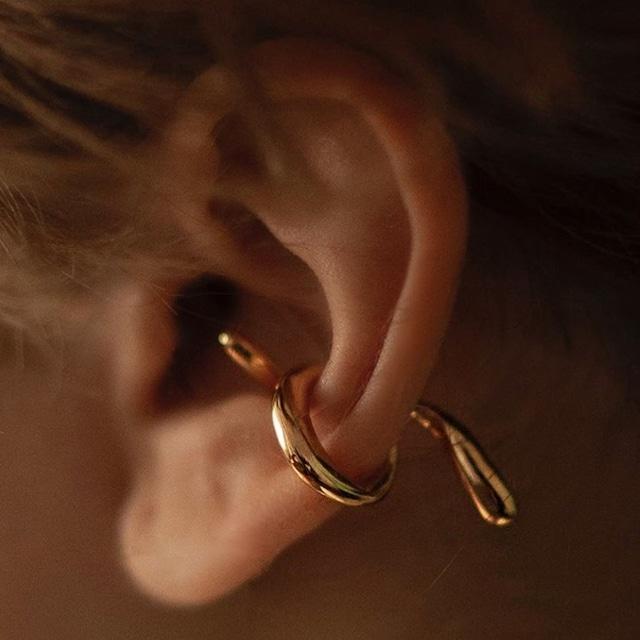 Wavy  ear clip(ウェービーイヤークリップ)a-943