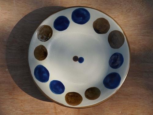コバルトが鮮やかな6寸皿(約18cm)  【ヤチムン大城工房】