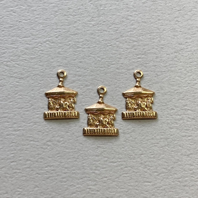USA真鍮 小さなメリーゴーランドモチーフチャーム