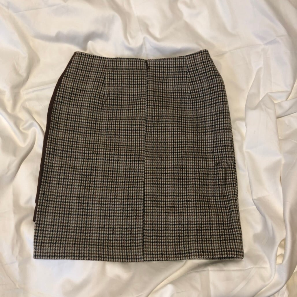 Asymmetry check miniskirt