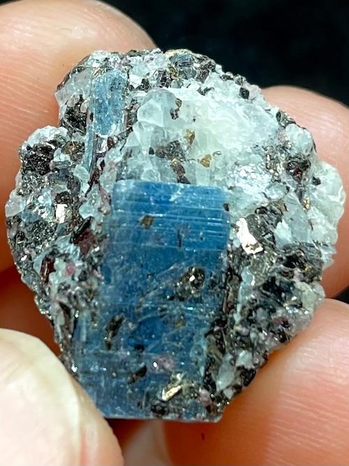 6) ロシア産カイヤナイト