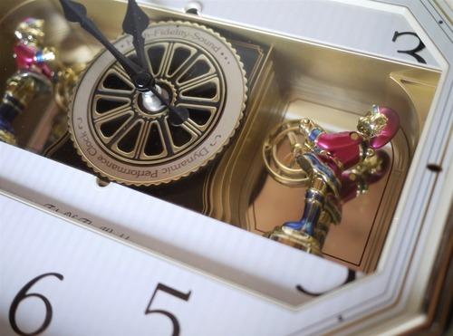 セイコー壁掛時計 Puppet からくりクロック