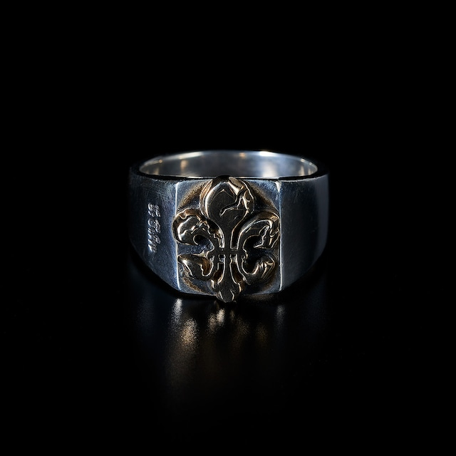 Fractured lily ink pad  ring