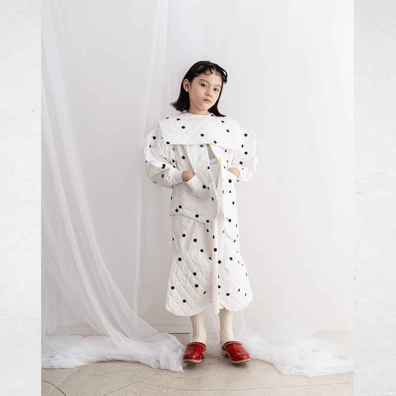 WAVE CUT SLEEVES QUILTING JACKET / WOMEN