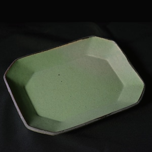 音喜多美歩 Miho Otokita  隅切りプレート 緑釉