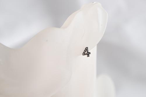 数字 シングルピアス  SV925 Numéro diamant 4
