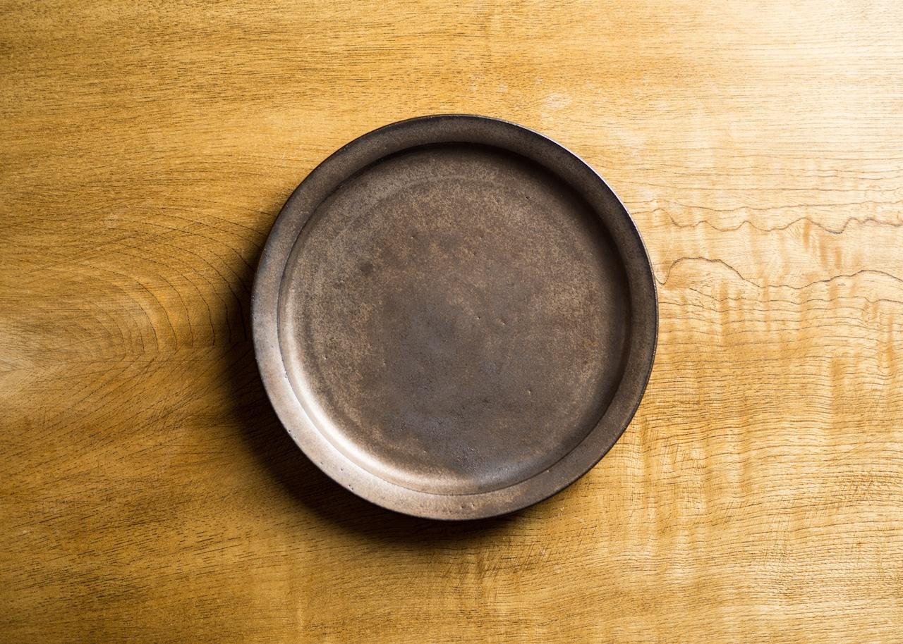 マンガン釉 6寸 プレート(中皿・19cm皿)/鈴木美佳子
